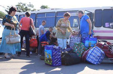 Переселенцам из Донбасса в Одесской области не хватает еды, лекарств и денег