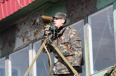 Ситуация на границе: атака на пограничников, российские вертолеты и закрытие пропуска в РФ
