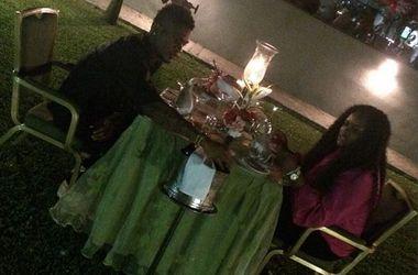 Браун Идейе в Нигерии отпраздновал годовщину свадьбы