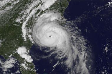 "Тропический шторм ""поздравит"" США с Днем независимости"