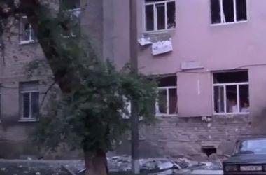Луганск после обстрела: минометный огонь по больнице и дым над городом