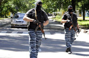 В Донбассе бесчинствуют боевики: калечат и убивают людей, взрывают ж/д пути и газопроводы