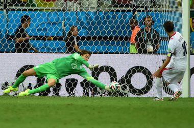 Голландия в серии пенальти выбила Коста-Рику