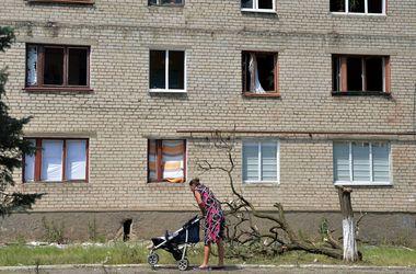 В Славянск начали завозить гуманитарную помощь