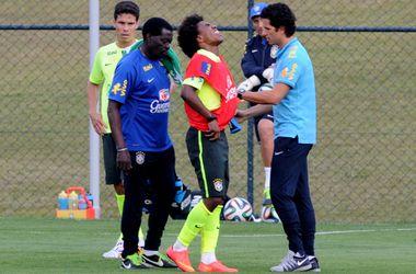 Виллиан получил травму и досрочно покинул тренировку сборной Бразилии