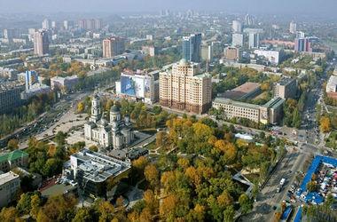"""Донецк опустел, а по улицам расхаживают """"не местные"""" боевики"""