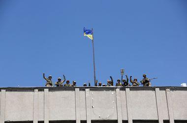 Освобождение Славянска: женщины целовали сапоги солдат, а военные не могли сдержать слезы