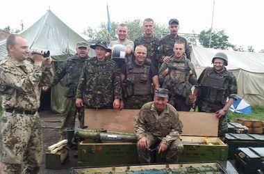 Украинские  военные захватили арсенал оружия террористов  - Аваков