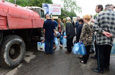 В городе Сватово Луганской  области  работает транзитный пункт  для переселенцев