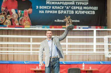 Перед началом подготовки к бою с Пулевым Владимир Кличко поедет в Бердичев