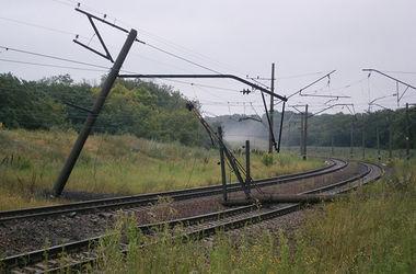 """В Донбассе снова взорвали пути: перегон """"Ясиноватая-Скотоватая"""" закрыт"""