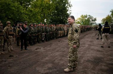Порошенко провел совещание с военными в зоне АТО -  Цеголко