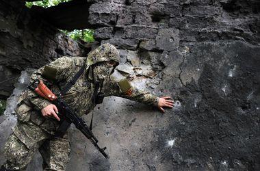 Обстановка в Донецке и Луганске напряженная, террористы продолжают атаковать - Минобороны
