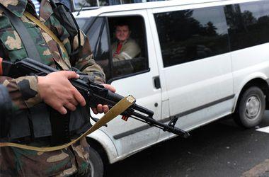 Донбасс криминальный: похищают чиновников и находят в кустах автоматы Калашникова