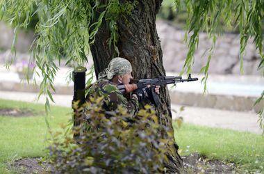 В Славяносербском районе идет бой, - очевидцы