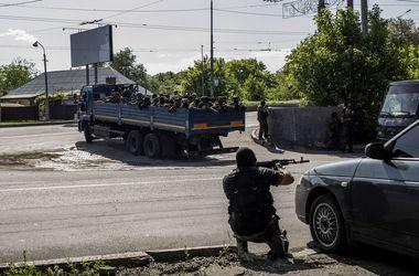 В Донецке замечено передвижение больших сил боевиков