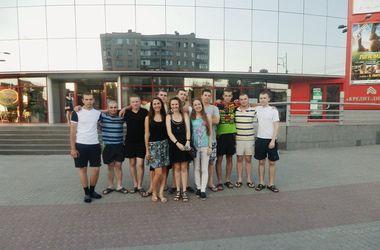 В Днепропетровске украинских солдат сводили в кинотеатр