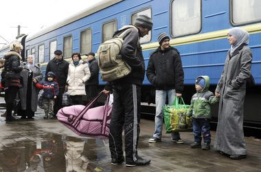 Переселенцы из Луганской области массово едут во Львовскую