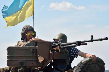 Киевляне передали гуманитарную помощь пограничникам в Луганске