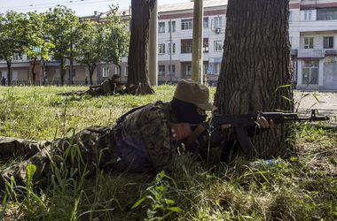 События в Донбассе: боевики прячут танки в жилых кварталах Донецка и продолжают обстрел в Луганске