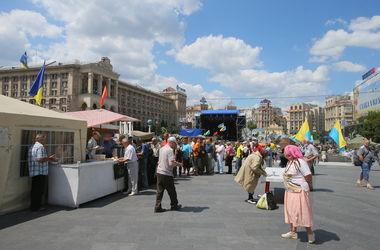 С Крещатика постепенно уходят активисты Майдана