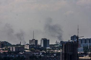 Под Донецком идет бой, каждый 5 минут раздаются взрывы
