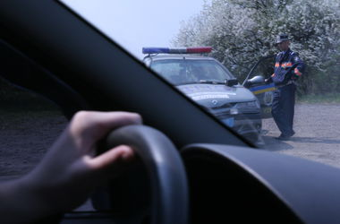 Водителей-нарушителей заставят снова сдавать экзамены по ПДД