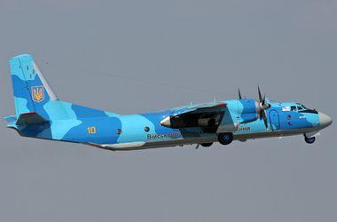 Силы АТО ищут экипаж со сбитого в Луганской области военного самолета Ан-26