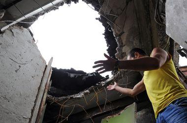 Жители Луганска в панике бегут из города