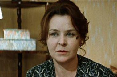 """Звезда фильмов """"Белорусский вокзал"""" и """"Мать и мачеха"""" Нина Ургант призналась, что страдает болезнью Паркинсона"""