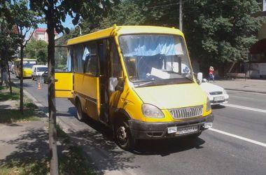 В Киеве чуть не взорвалась маршрутка с пассажирами