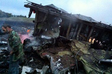"""Место крушения """"Боинг-777"""" в Донбассе (18+)"""