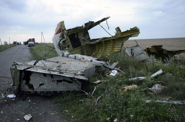 В Сети появилось последнее видео из салона рухнувшего Боинга-777
