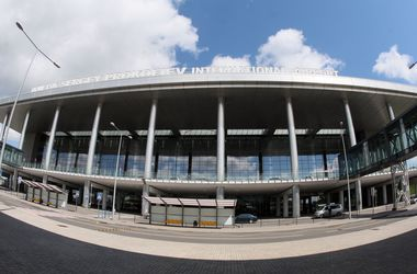 Жителей Донецка разбудили взрывы со стороны аэропорта