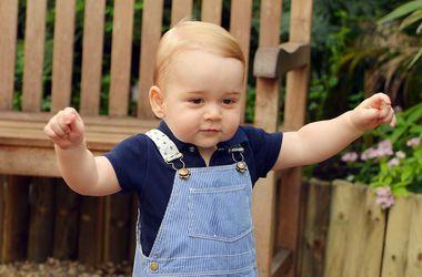 День Рождения принца Джорджа: Королевский двор представил новые официальные снимки принца с семьей