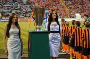 Футболистов на матч Суперкубка выведут дети-переселенцы с востока Украины