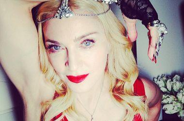 Мадонна устроила переполох в самолете