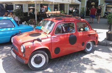 """Cлет """"Запорожцев"""" в Одессе собрал 46 машин со всей страны"""