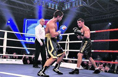 Украинец Деревянченко дебютировал на профессиональном ринге с победы