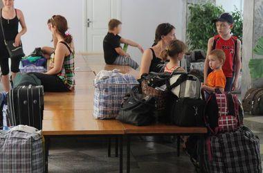 На столичном вокзале открылся центр помощи беженцам