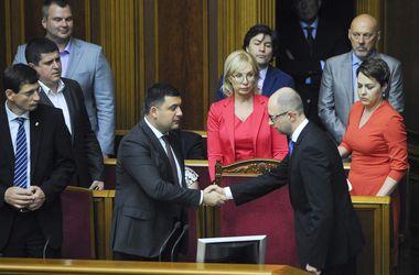 Как в Раде распалась коалиция, а Яценюка сменил человек Порошенко