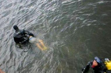 В киевском озере на Оболони утонул мужчина