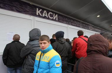 """Киевских водителей просят не парковать авто возле НСК """"Олимпийский"""""""