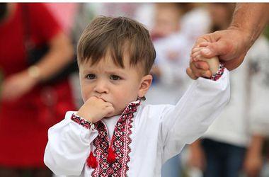 В болгарском лагере украинским детям запретили носить национальную символику, МИД отправило ноту