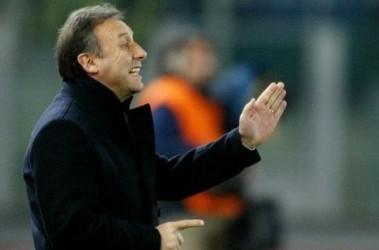 Альберто Дзаккерони  отдает приказы своей команде