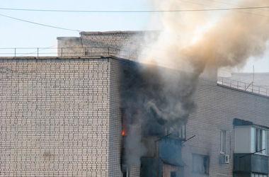 В Бердянске пожар уничтожил две квартиры, есть погибший