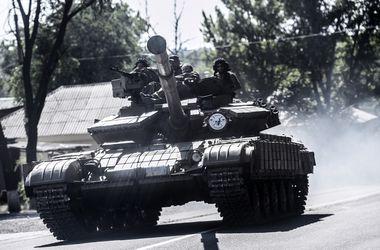 Ночь в зоне АТО: обстрел блокпостов и активизация боевиков в Донецке