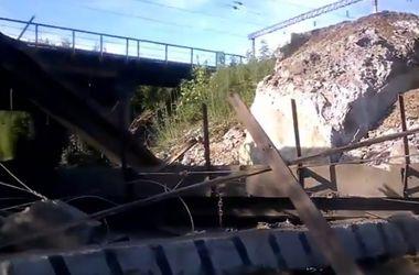 В Горловке взорвали автомобильный мост и путь на ж/д перегоне