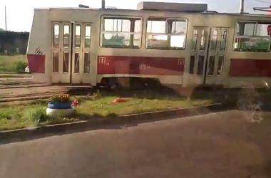 В Киеве на Троещине трамвай сошел с рельс