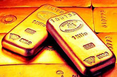 Мировые центробанки скупают золото ради подстраховки